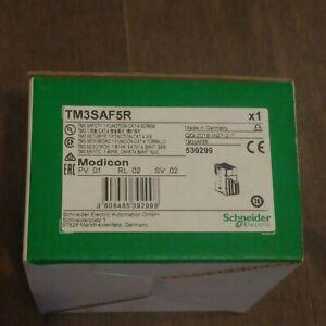 Schneider Electric TM3SAF5R Safety I/O Module