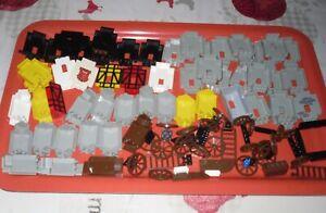 gros lot lego vintage château médiéval (+ de 50 murs + roues charrette etc...)