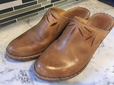 FRYE Womens Clog MULES, Size 10M, Leather Floral Stitch with Heel, Gorgeous Tan