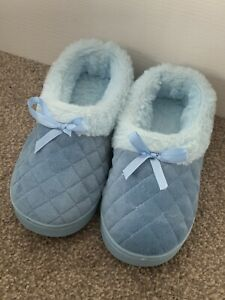 LADIES GIRLS BLUE FURRY FLAT SLIPPERS SHOES UK SIZE 4 GREAT CONDITION