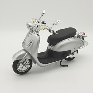 NEWRAY Honda Joker 90 - Silver Scooter ROADRIDER COLLECTION_S18