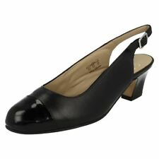 Patternless Patent Leather Wide (E) Court Heels for Women