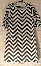 FADED GLORY  White And Black ZigZag Striped Dress  Girls Size M 7/8
