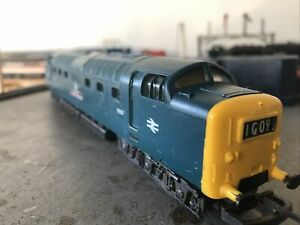 "Lima Class 55 Deltic 9006 ""The Fife & Forfar Yeomany"" In BR Blue OO Gauge"