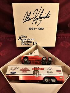 NASCAR ALAN KULWICKI #7 Hooters Racing 1/64 Winross Transporter Hauler Excellent