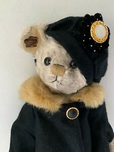 Rare Annette Funicello Bear Ladies Who Lunch PILAR Coat Cloche Hat Jointed NWT