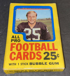 1971 TOPPS FOOTBALL 25 CENT CELLO BOX W/CARDS~HOFERS & STARS~FREE SHIPPING RARE