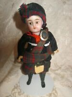 ANTIQUE KAMMER & REINHARDT MIGNONETTE DOLL ALL ORIGINAL SCOTTISH OUTFIT - AS IS
