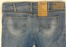 """NWT SILVER """"TUESDAY FIT"""" Straight Low Boot Fluid Denim Womens Jeans Size W32/L33"""