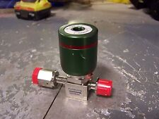"NEW FLOWLINK VALVE, NORMALLY CLOSED (NC) 1/8"" NPT PNEUMATIC INPUT, 1/4"" MALE"