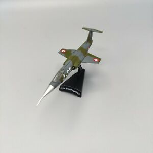 Postage Stamp Planes 1/100 F-104 Starfighter 5377-1 PMC1084 w/ Stand