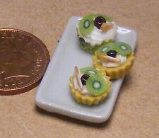 1:12 Scale 7 Assorted Cup Cakes Fixed On A Ceramic Plate Tumdee Dolls House CC1
