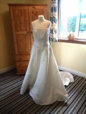 Stunning Danielle Eade Wedding Dress Size 14 Beaded Train Net Ivory Satin