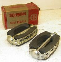 NOS Pair of Schwinn Bicycle Bow Pedals - Sting-Ray SubUrban, Fastback, Krate