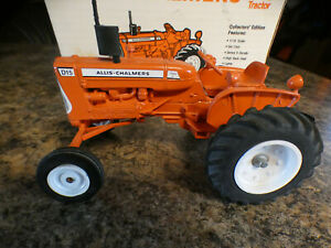 Allis Chalmers D15 ---  Collector Edition 1989 -- 1/16 tractor  SpecCast