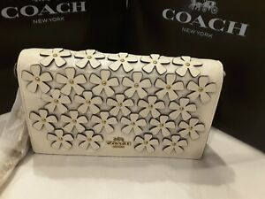 New w/tags CALLIE FOLDOVER CHAIN CLUTCH WITH FLORAL APPLIQUE COACH 835 Sold out!