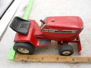 Vintage ERTL 1/16 Cub Cadet Lawn Mower PLOW 682 RED DIECAST