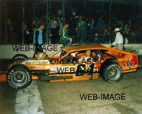1983 RICHIE EVANS LEGEND CHAMP MODIFIED HUTTER V-8 ENGINE AUTO RACING RACE PHOTO