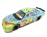 Action Jeff Gordon #24 Dupont Looney Tunes Bugs 2002 NASCAR Chevy 1/24 Diecast