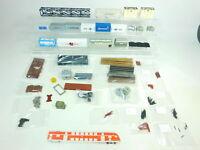 BT746-2# Märklin etc H0 Konvolut Ladegut: Container + Bahia-Kiste + Rungen etc