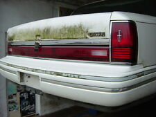 1990-1994 Lincoln Town Car ordentl.Rückstrahlereinheit zwischen den Rückleuchten