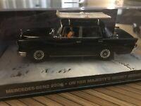 Mercedes 220 Sedan James bond 007 1/43 Fabbri diorama N°78