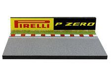 Diorama présentoir Circuit Pirelli P Zero - 1/43ème - #43-2-Q-N-005