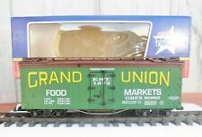 USA TRAIN (R-16173)  BRAND NEW - NEVER USED   BILLBOARD REEFER  (SMOKIN' DEAL!!)