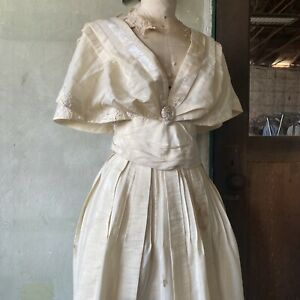 Antique Victorian Cream Sleeveless Dress Mother Of Pearl Flutter Lace Vintage