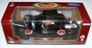 1932 Ford 3 Window 1:18 Die Cast Road Legends