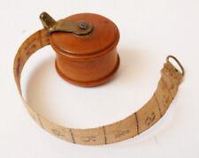 mètre ruban de couturière  dans boite dévidoir en bois 19e siècle