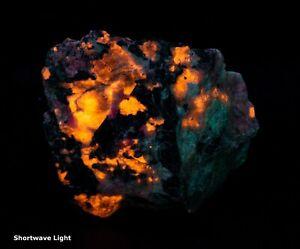 MSG1202: Tenebrescent Blue Sodalite (Hackmanite) from Greenland