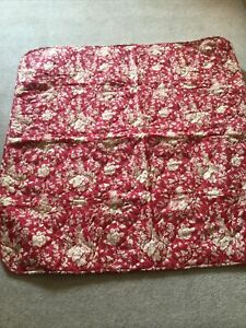 Fench Style Toile Quilted Throw Red