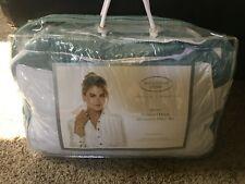 Kathy Ireland Home Queen Gusseted Down Alternative Pillow Set Green