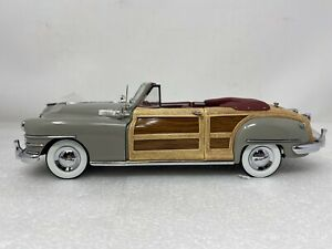 1/24 Danbury Mint 1948 Dove Grey Chrysler Town and Country Convertible
