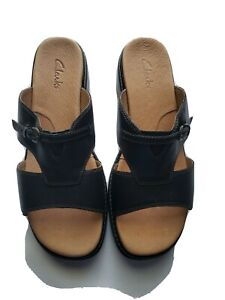 Clarks Women's Black Angie style 88535 Slip On Sandals. Size 8M  New without Box