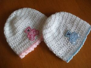 HANDCROCHETED BAY HAT WITH GINGHAM APPLIQE TEDDY BEAR Ti Fit 0-3 MONTHS