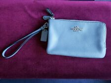 COACH WOMEN'S BLUE PURSE WITH CREDIT CARD SLOTS AND WRISTLET - ZIP CLOSURE - NEW