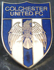 COLCHESTER UNITED FC Club crest type badge Brooch pin In gilt 20mm x 29mm