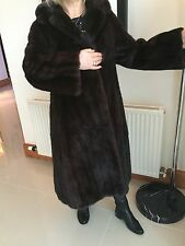 Exquisit Garanteed 100% Genuine VINTAGE LADIES MINK coat - OFFERS