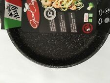 9-1/2 inch Die-Cast Aluminum Roch Guss Pan - Black ext, speckled interior