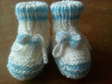 Babyschuhe mit Bommeln,handgestrickt,10cm,weiß/hellblau,100% Polyacryl