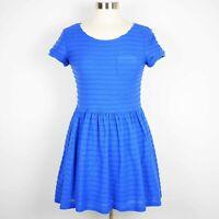 YUMI Modcloth Women's 6 Blue short sleeve fit & flare short sleeve stretch dress