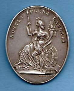 ROYAL DUBLIN SOCIETY SILVER MEDAL TO LADY HODSON 1960, POULTRY. HALLMARK 1959.