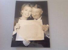 ELGA ANDERSEN et ROBERT DALBAN février 1963 - Photo de presse originale 13x18cm