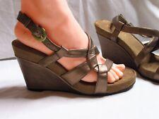 Aerosoles size 8 bronze wedge Sandals