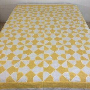 """OUTSTANDING Vintage Yellow & White Cotton HEARTS & GIZZARDS Quilt TOP; 84"""" x 72"""""""