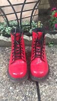 Womens Shoes Doc Marten red size 4