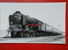 PHOTO  LNER PEPPERCORN CLASS A1 4-6-2 60119  PATRICK STIRLING AT LANGLEY 25/8/62