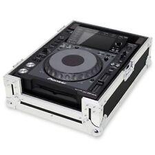 Flight cases argenté pour équipement audio professionnel